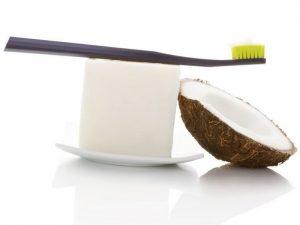 Cara Membuat Pasta Gigi dengan minyak kelapa